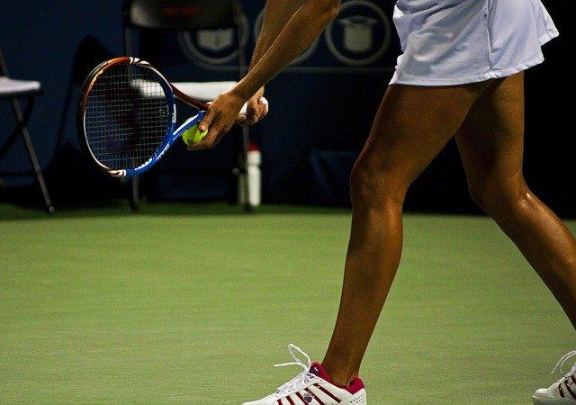 """אליפות ארה""""ב הפתוחה 2020: קרולינה פליסקובה מפסידה, נעמי אוסקה מתקדמת"""